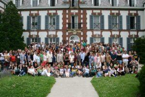 Photo finale de l'été de toute l'école et photo des finissant.e.s @ En face du Château | Middlebury | Vermont | États-Unis