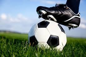 Match de foot contre l'École espagnole @ Terrain synthétique du foot